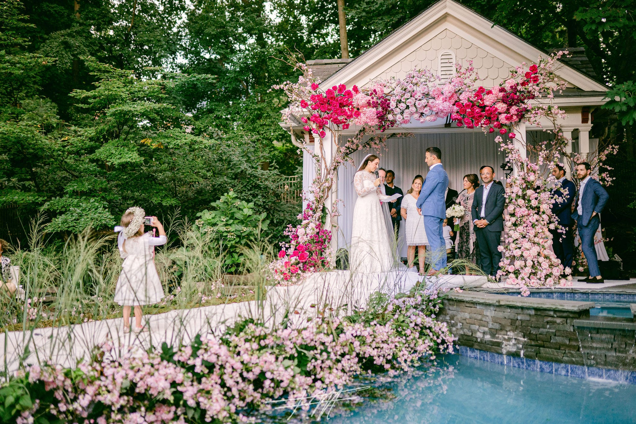 DESTINATION:  HOME! 10 TIPS TO A MICRO WEDDING AT HOME